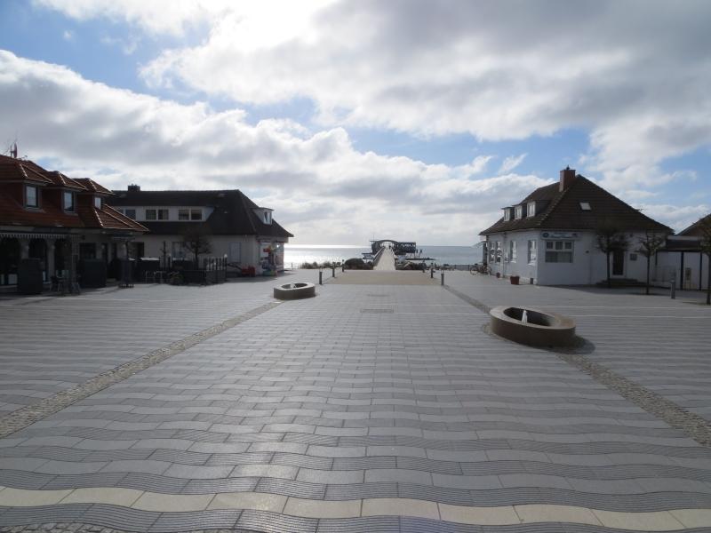 Strandhauptplatz